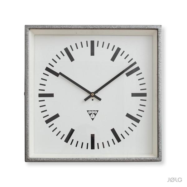 Alte quadratische Pragotron Fabrikuhr 33,5 cm Industrieuhr mit neuem Uhrwerk