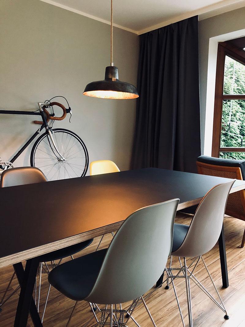 metallgraue alte industrielampe mit individuellem textilkabel von j lg j lg. Black Bedroom Furniture Sets. Home Design Ideas