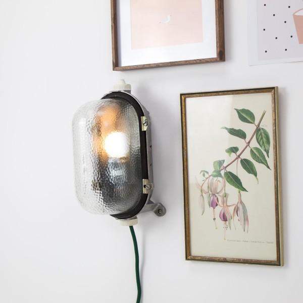 """Vintage Industrial Wand- / Deckenlampe mit Glaskolben """"Schildkröte"""" ehemalige DDR"""