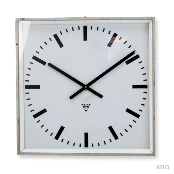 Alte große quadratische Pragotron Fabrikuhr 43 cm Industrieuhr mit neuem Uhrwerk